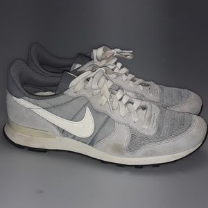 Nike Internationalist Grey/White